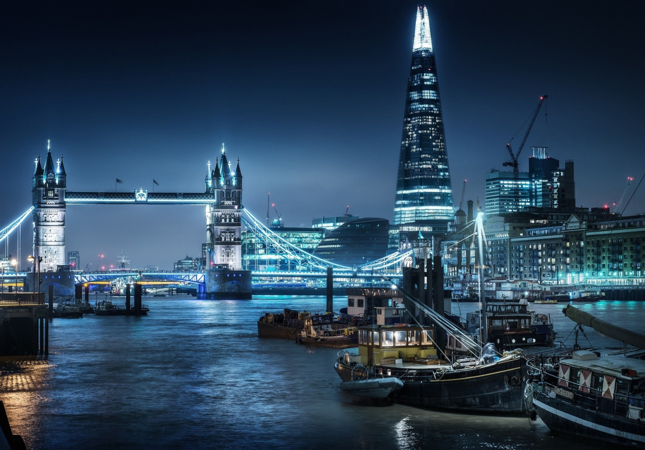 https://www.hop-kettle.com/media/Thames-by-night.jpg
